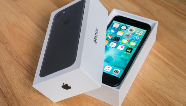 iPhone7の中古をゲオで買って大失敗!ドコモで新品が【令和最大の激安】だった件